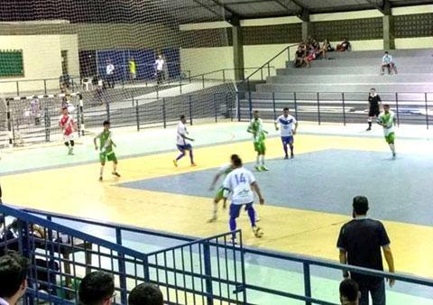 4acaf03d31 Dois jogos movimentam hoje o Roraimense de Futsal Sub-17 - Folha ...